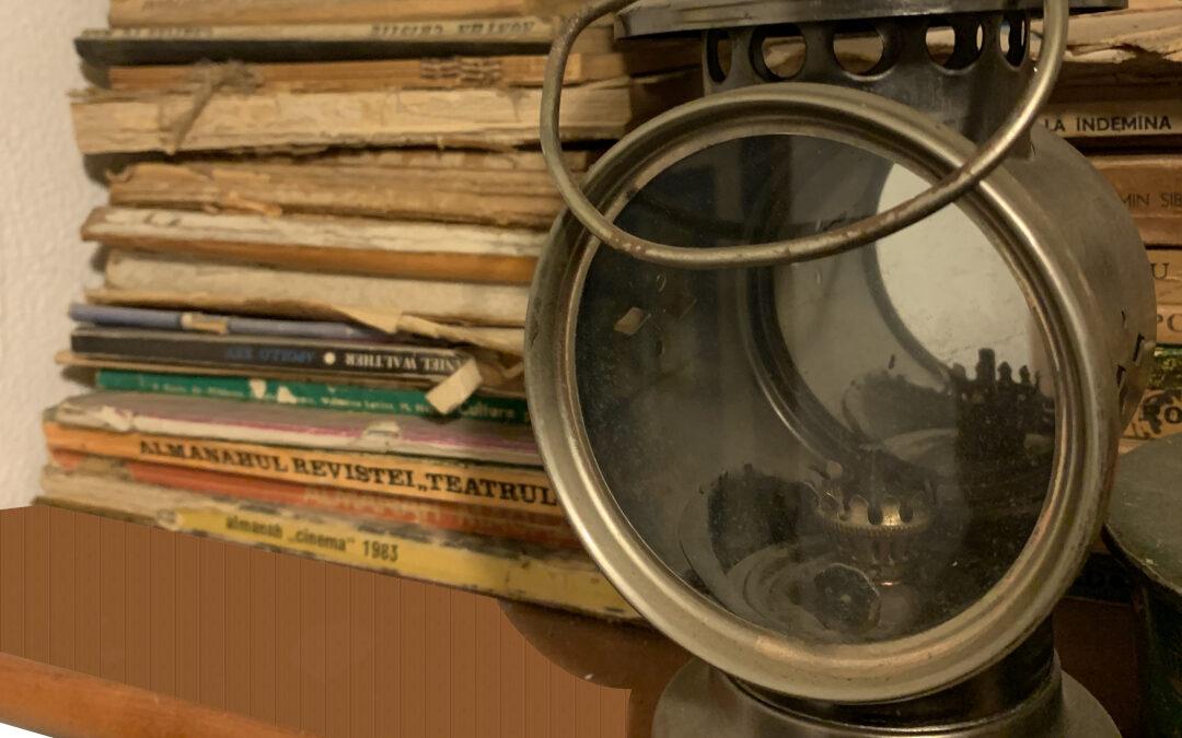 Lampa veche cu gaz si maner din alama